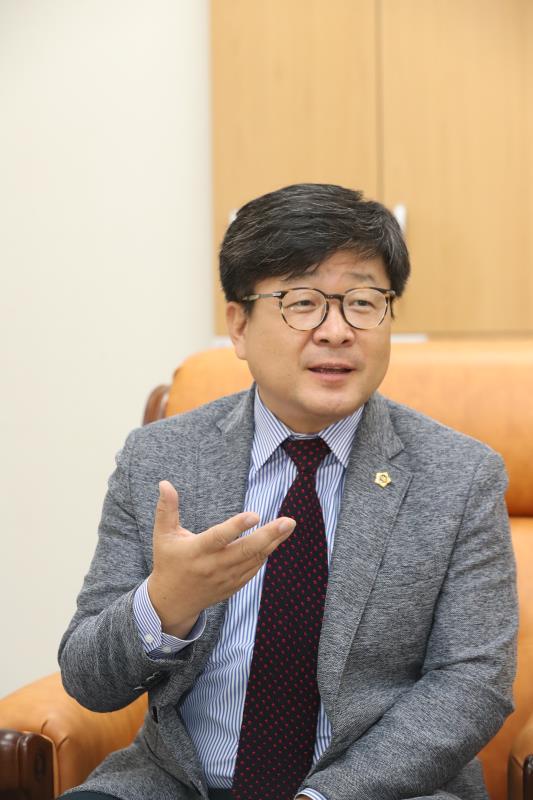 제2교육위원회 송치용 의원 인터뷰 (중부일보,기호일보)
