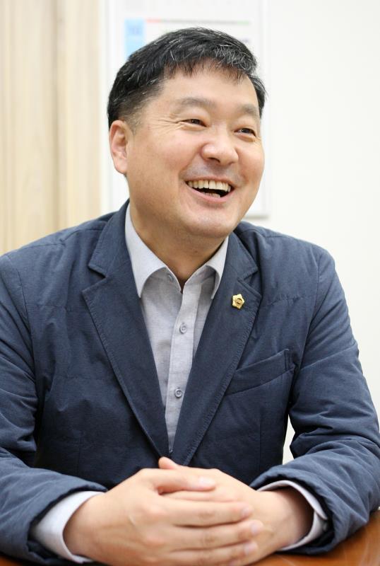 경제과학기술위원회 황수영 의원 인터뷰용 사진촬영