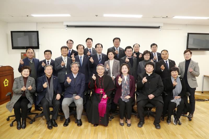 천주교 수원교구 이성효 리노 주교 접견 및 의회미사