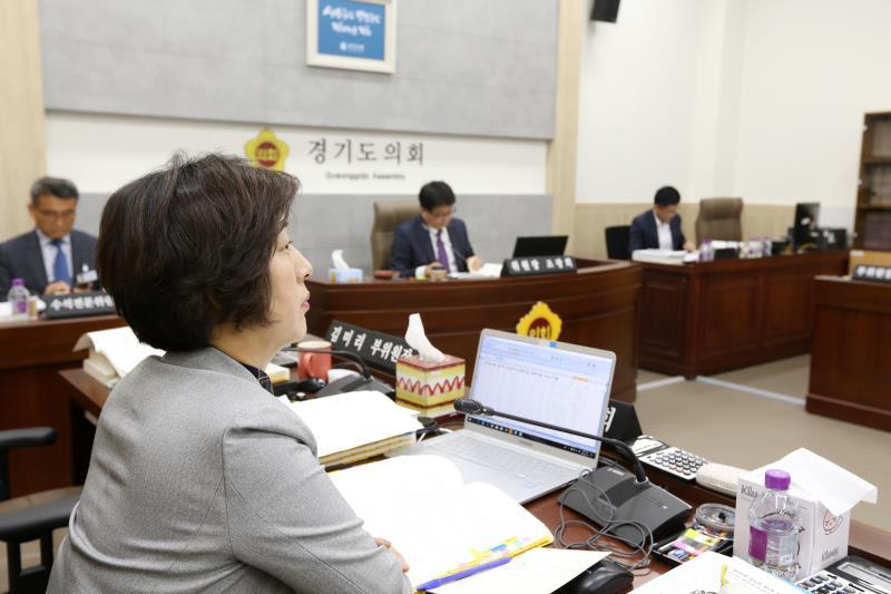 제335회 임시회 제1차 제2교육위원회
