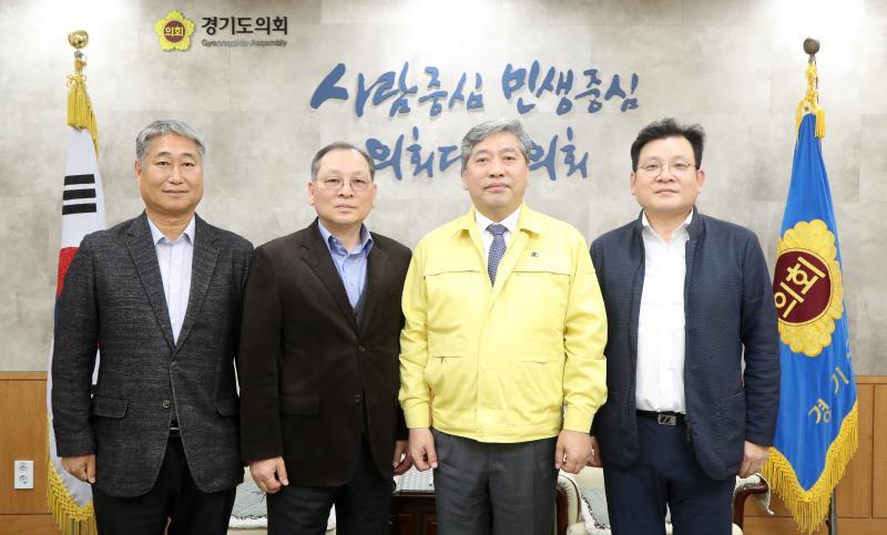 송한준 의장 오좌섭 교수 및 지인 접견
