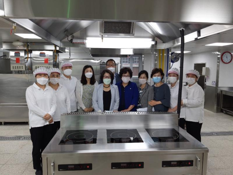 의정부 지역 급식실 현대화 위한 학교현장 방문