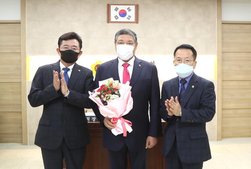 김규창 의원님 다산의정대상 축하 꽃다발 전달식