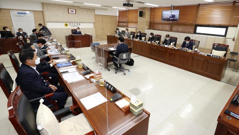 제349회 임시회 제1차 의회운영위원회 사진 9