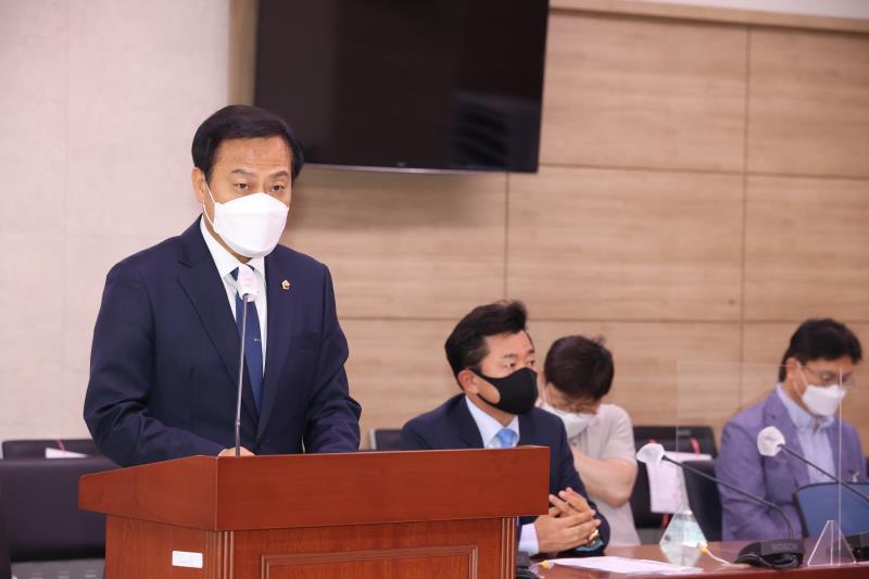 남북교류특위추진위 회의 및 위원장 선출의건
