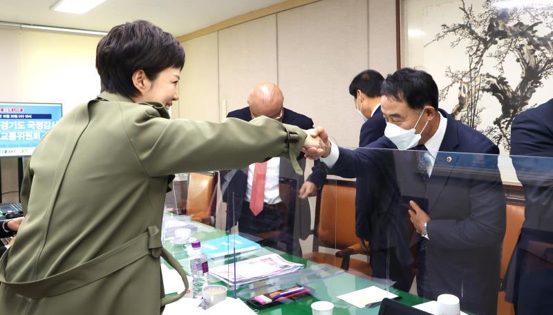 장현국 의장님,진용복 부의장님 국정감사장 방문